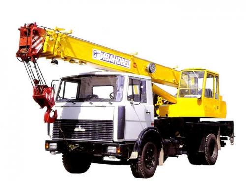 Автокран грузоподъёмностью 14 тонн с вылетом стрелы 14 метров
