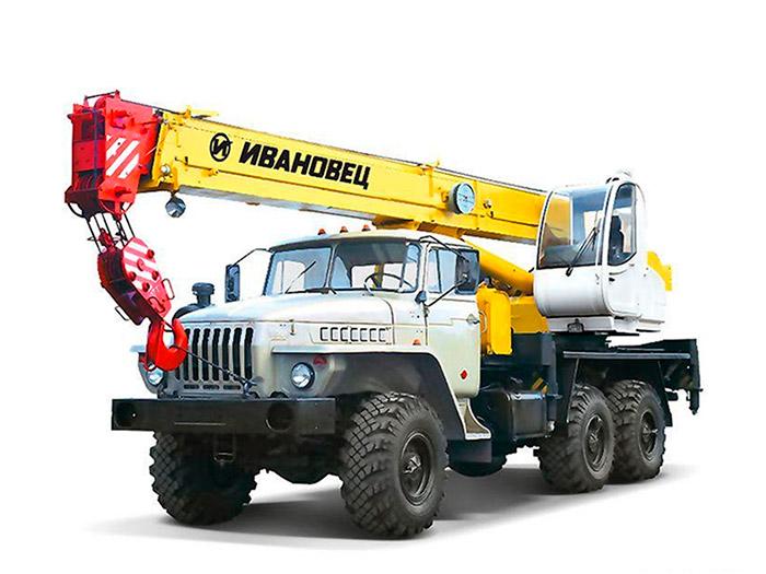 Автокран (вездеход) грузоподъёмностью 14 тонн с вылетом стрелы 14 метров